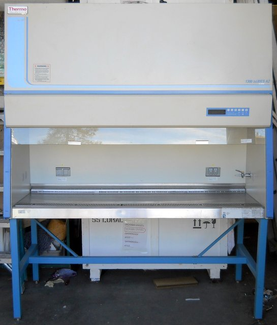 1300 A2 6ft Biosafety Cabinet