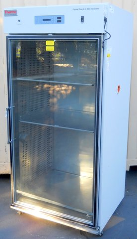 3950 Reach-In CO2 Incubator