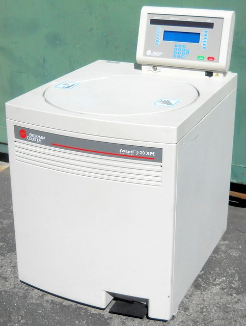 Avanti J-20 XPI Refrigerated Superspeed Floor Model Centrifuge
