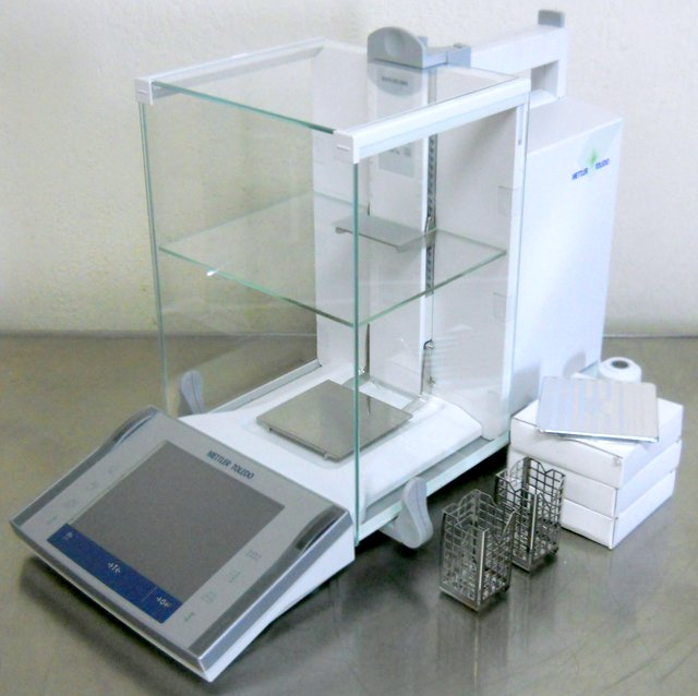 XP205 Analytical Balance