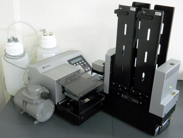 ELx405UCWVS Select Microplate Washer with BioStack Microplate Stacker