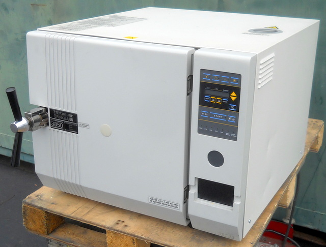 3850E Autoclave / Steam Sterilizer