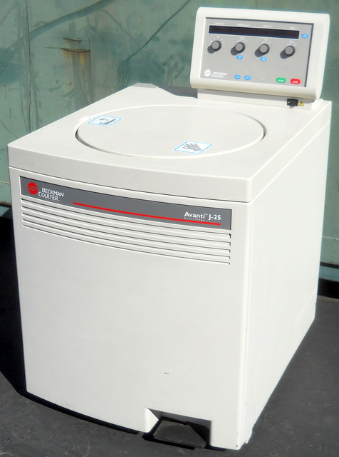 Avanti J-25 Refrigerated Superspeed Floor Model Centrifuge